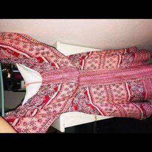 Amanda Uprichards cute off-the shoulders dress
